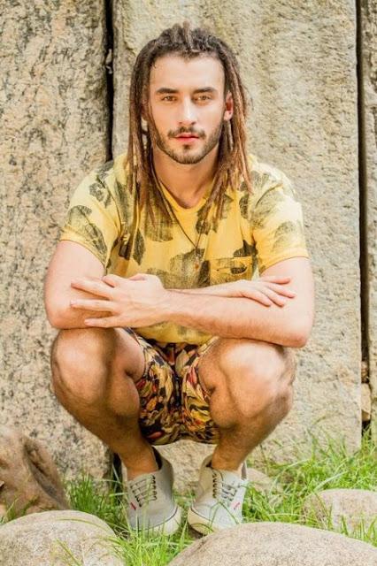 Gabriel Reif, o Jamaica de Totalmente Demais é o muso da semana  (foto: Simone Fransisco/divulgação)