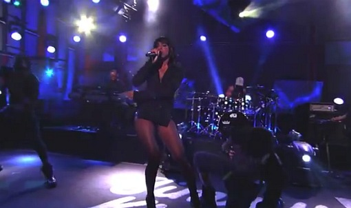 Songstress Kelly Rowland is quite the busy lady with the FAME tour with