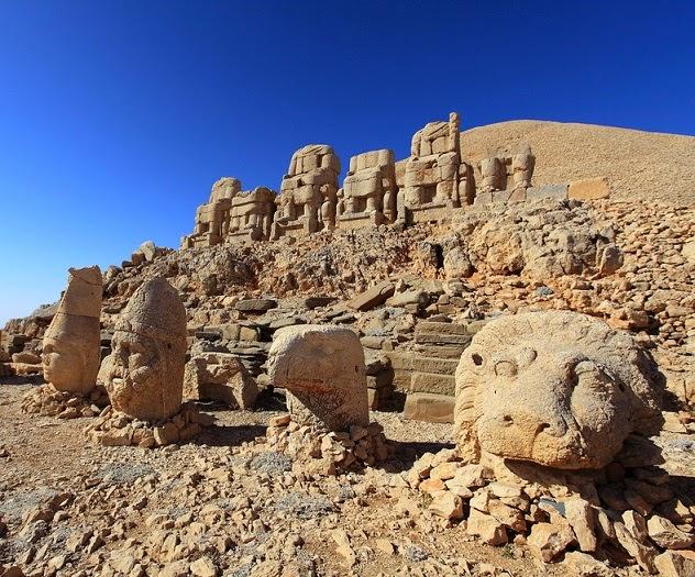 Гора Немрут, Гробница Антиоха I Коммагенского (Западная Армения)