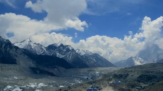 大自然!エベレストベースキャンプトレッキングでのヒマラヤ山脈タイムラプ... 大自然!エベレスト