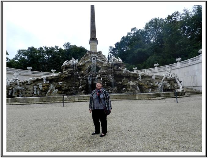 obelisc-gradini-palat-schonbrunn-Viena-Austria