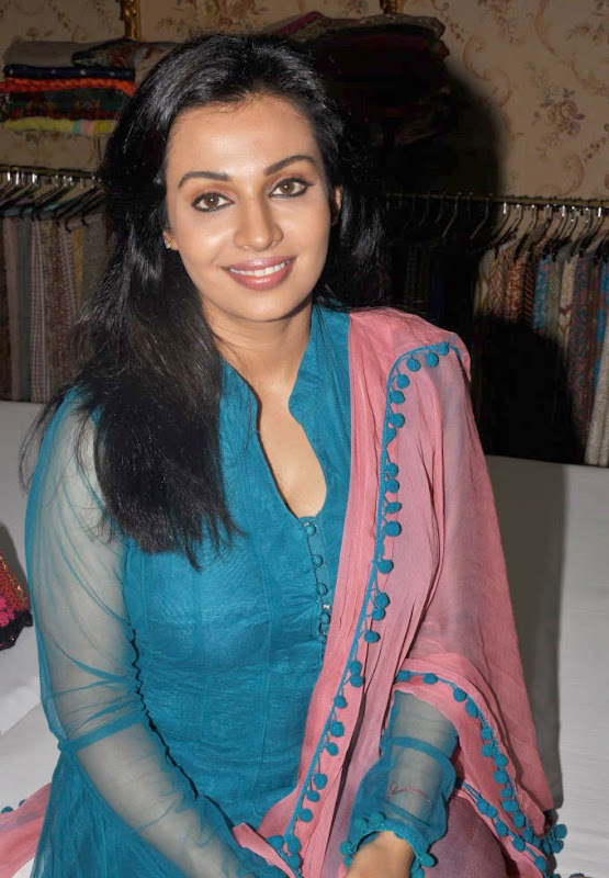 Asha Saini  South Indian Actress Latest HQ Wallpaper Gallery at Event wallpapers