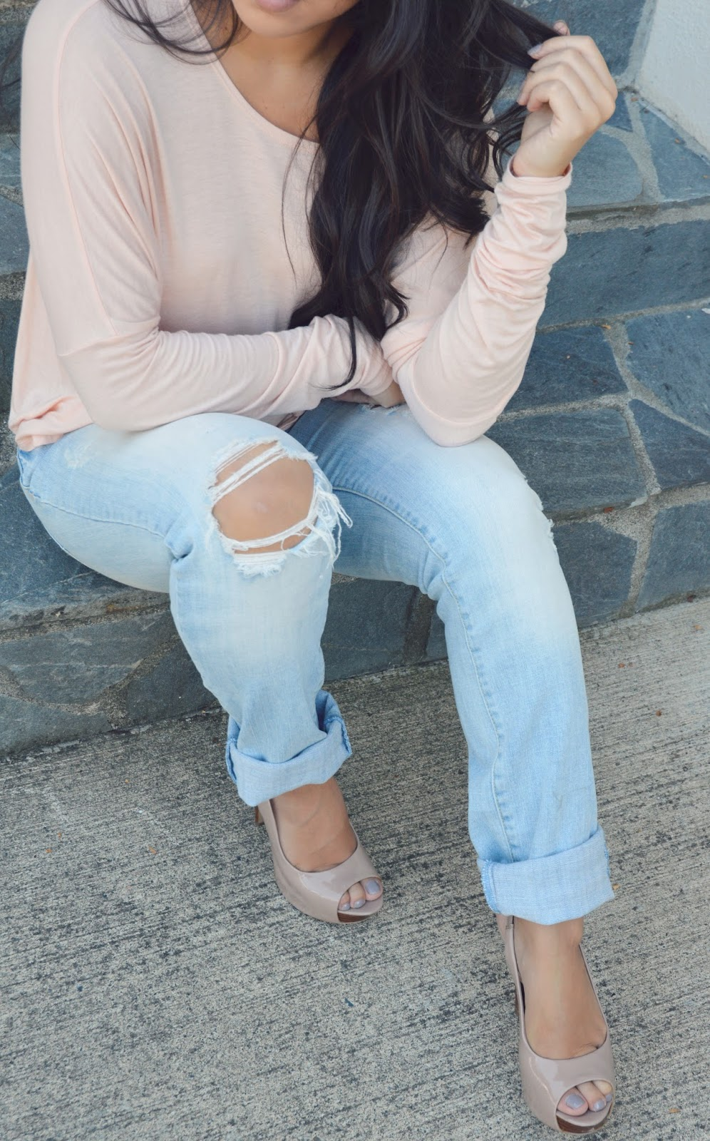 jessica simpson nude heels with guess boyfriend jeans