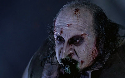 batman returns penguin blood death