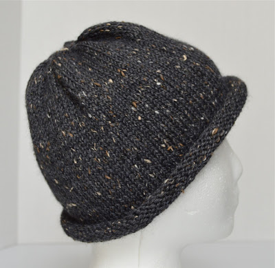 charcoal tweed boyfriend hat https://www.etsy.com/shop/JeannieGrayKnits
