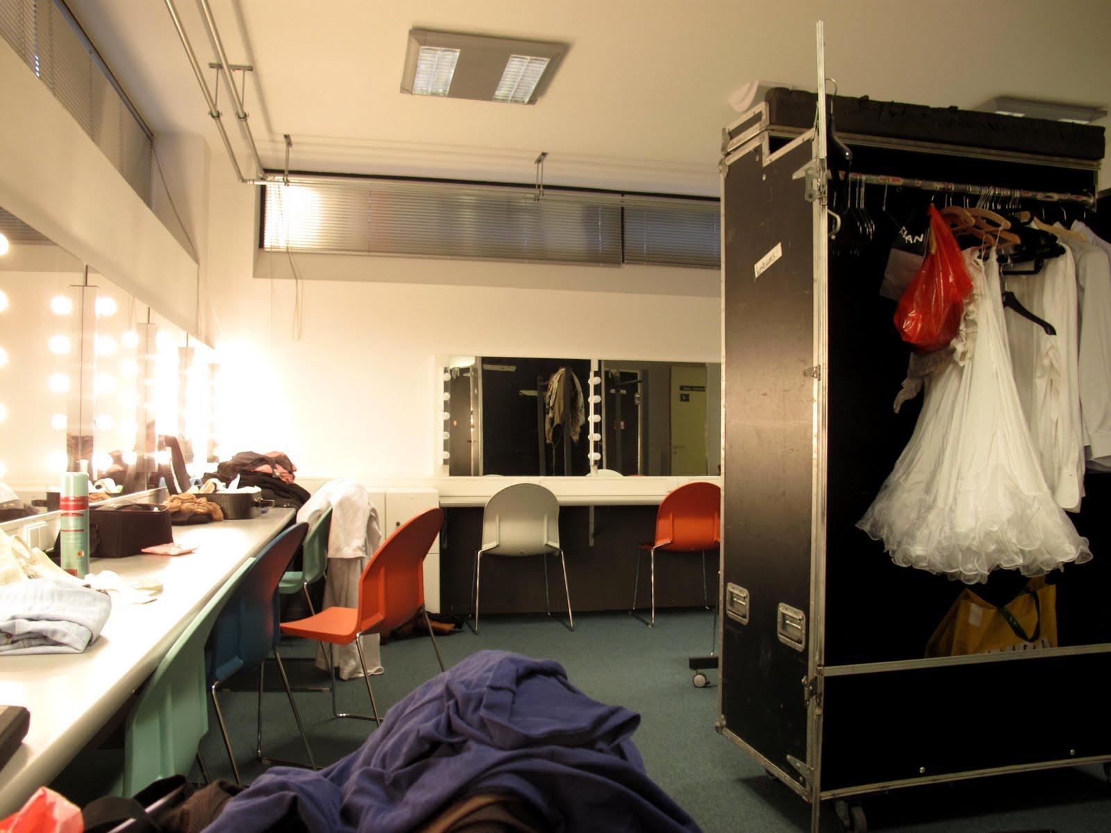 Medea dinsdag 6 april zutphen de hanzehof - Grote kleedkamer ...