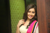 Gorgeous Heroine Raashi kanna photos-thumbnail-5