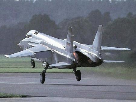 Yak-141 Freestyle Supersonic VTOL Fighter