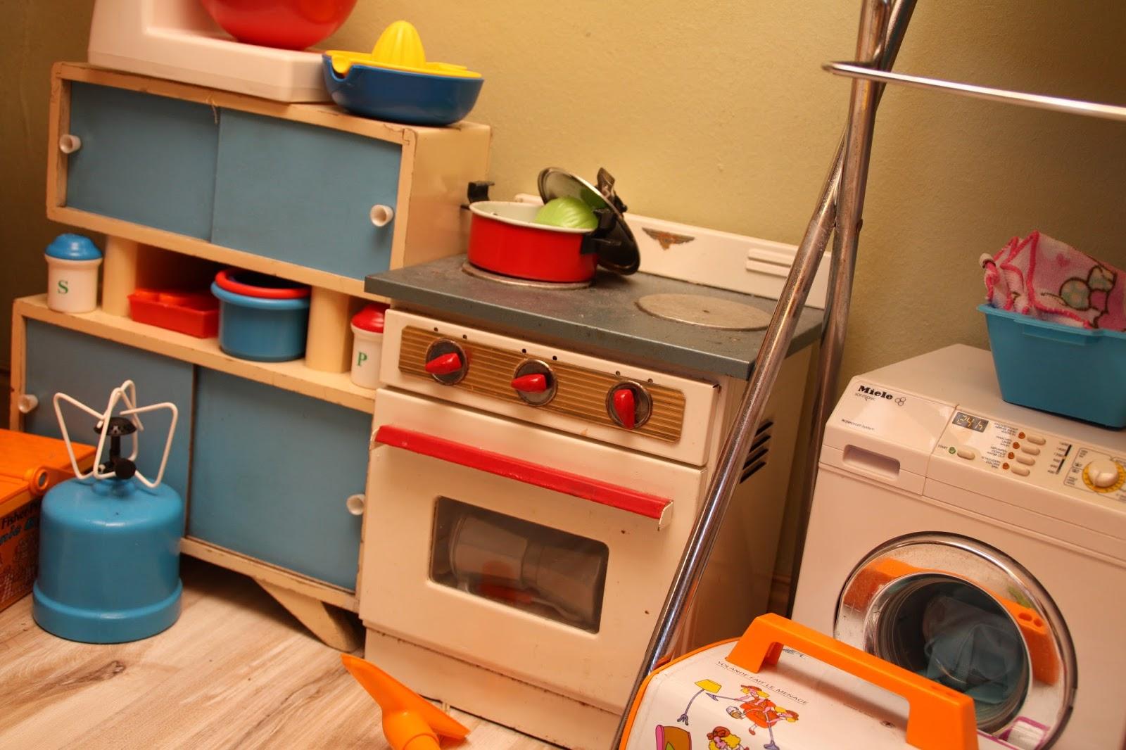 une chambre mixte pour enfants 1. Black Bedroom Furniture Sets. Home Design Ideas