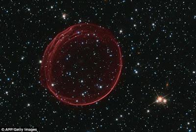 太空泡泡 超新星