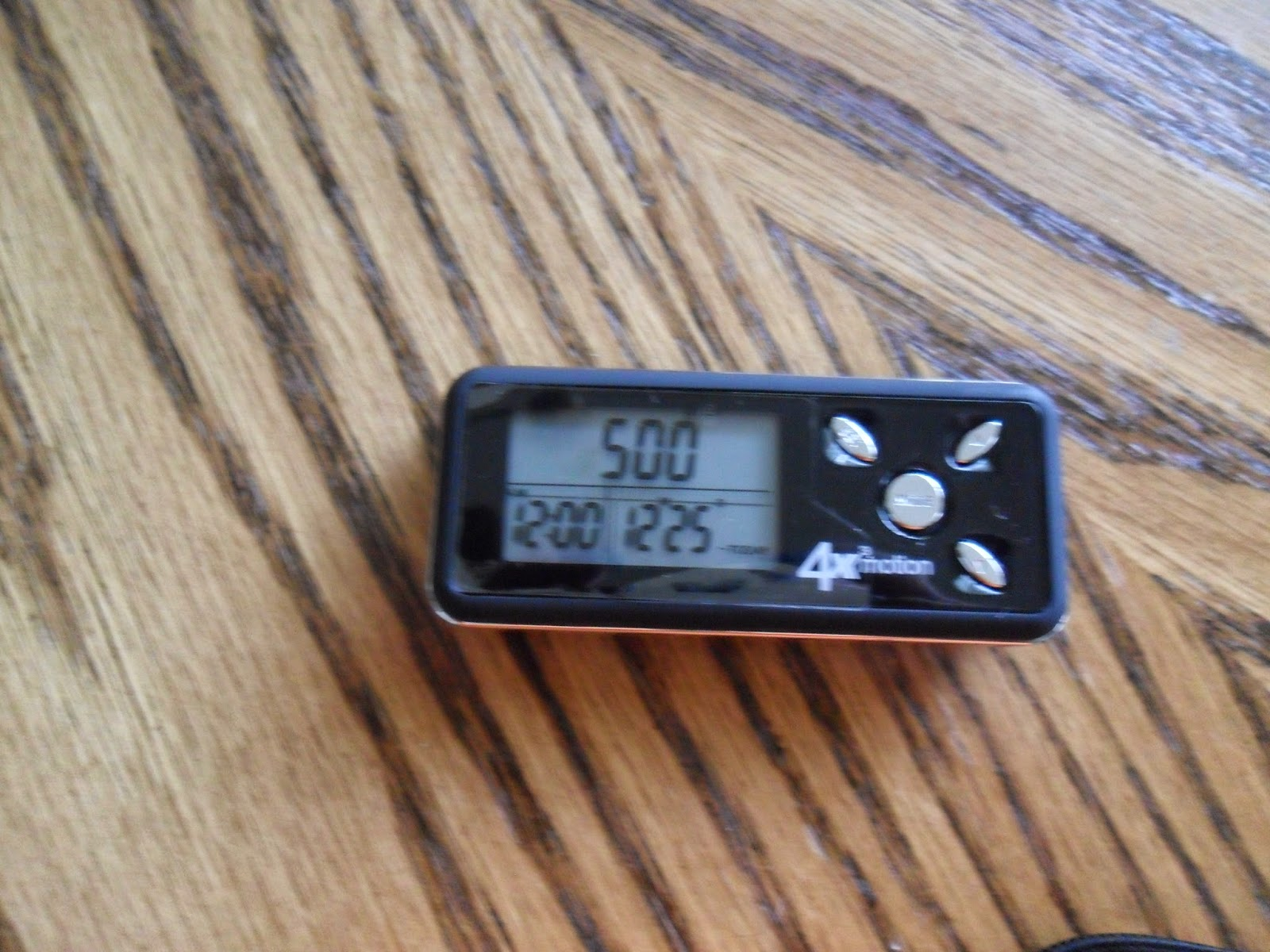 Walking the pounds off with Ozeri 4x3motion Digital Pocket 3D Pedometer with Tri-Axis Technology. Review