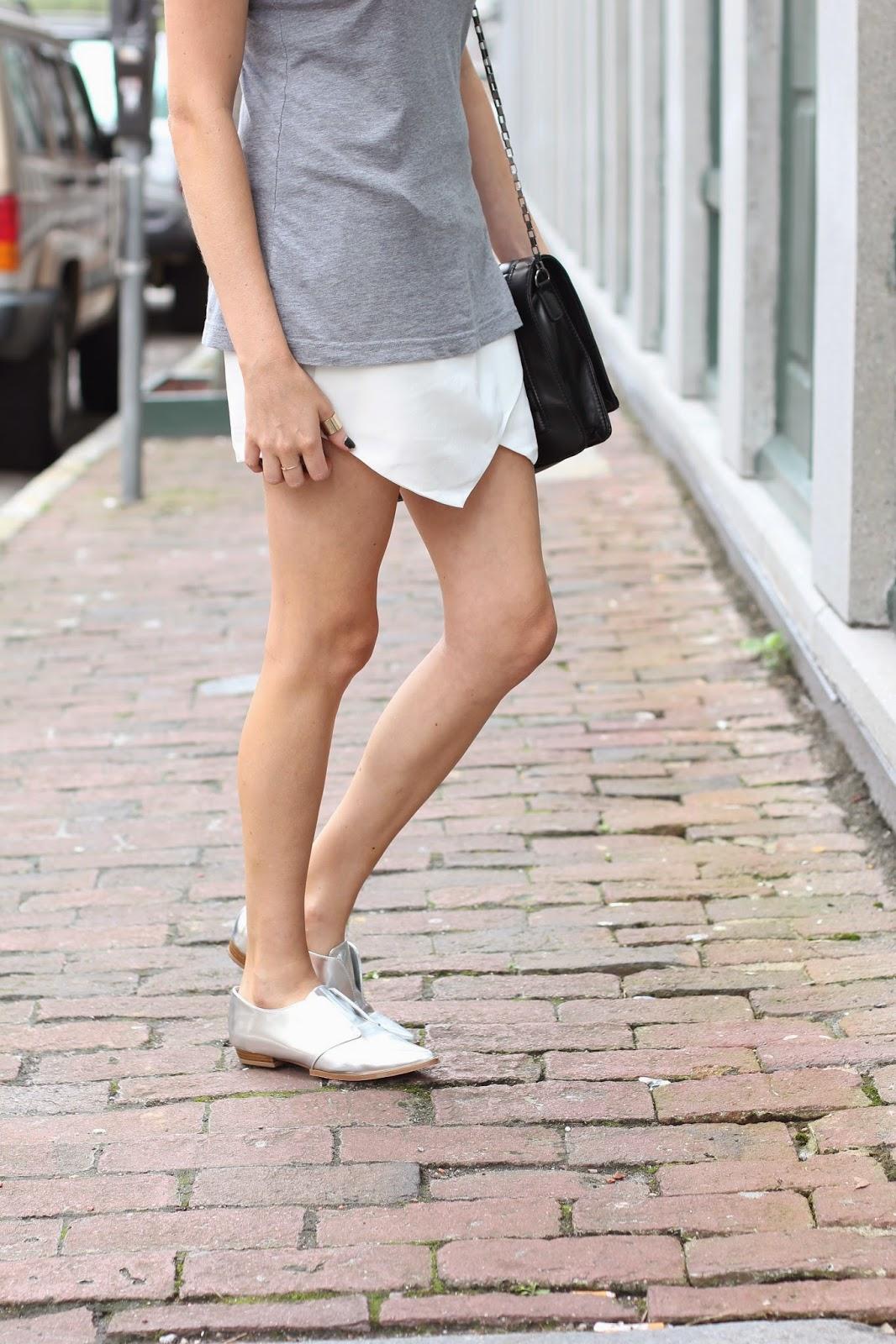 grey tee white skort and metallic shoes // like the yogurt