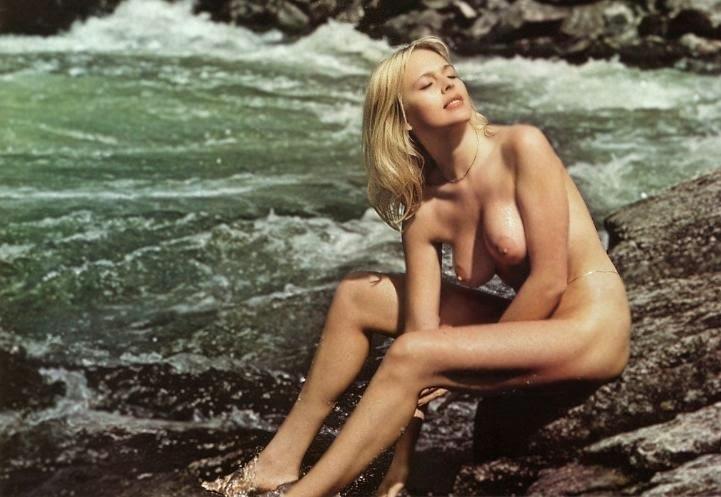 Celebrity clip female nude scene
