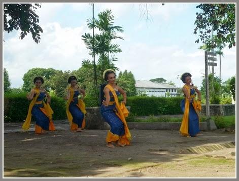 Tari Gambyong Yogyakarta Pementasan Tari Gambyong di