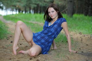 青少年的裸体女孩 - sexygirl-image_20-794036.jpg