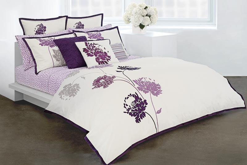Customized Walls Gorgeously Purple Bedroom