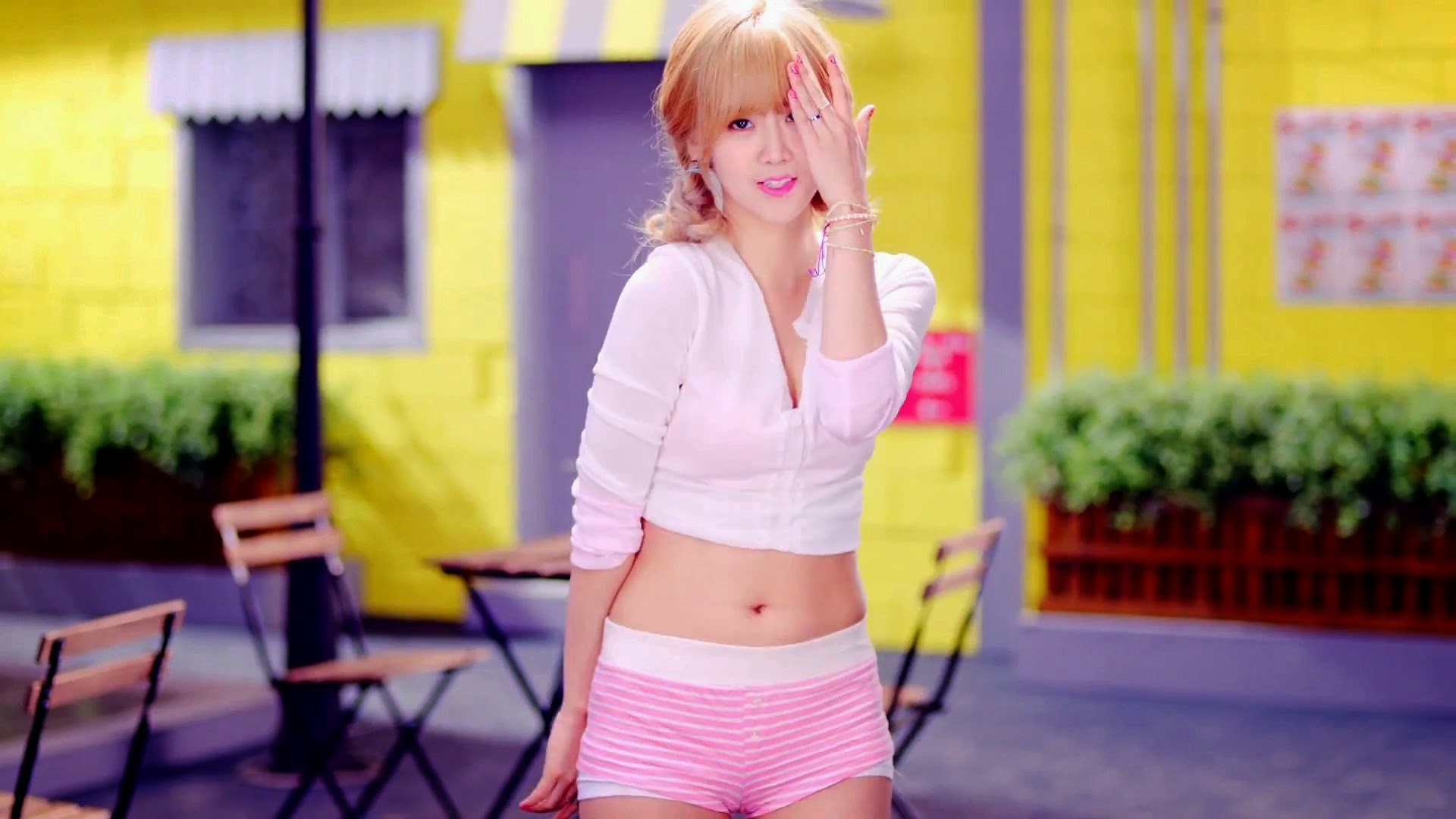 Bestie's Hyeyeon in Excuse Me MV