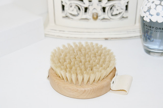 Katherine Penney Chic Dry Brushing Benefits Health Beauty