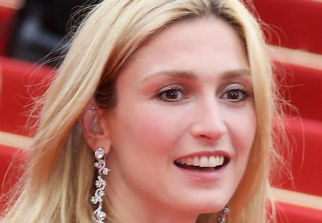 Julie Gayet François Hollande sexy amante embarazada rubia fotos vídeos pics hot blonde Francia culo desnuda tetas chica 1x2 nude actriz