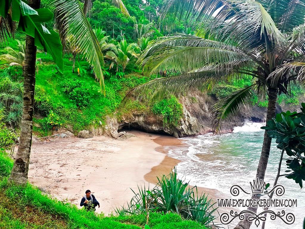 Pantai Lampon Kebumen