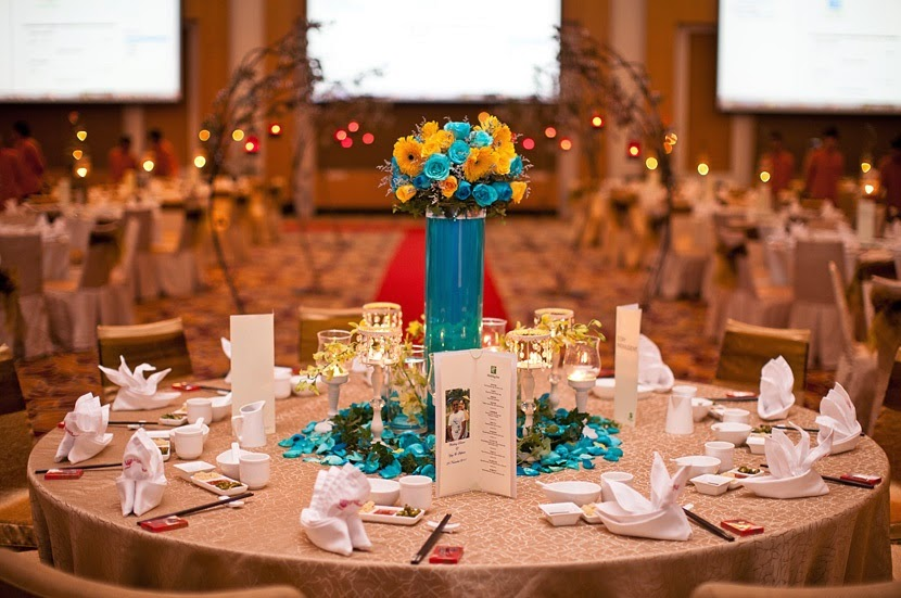 blue centre piece