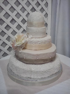 secret message wedding cake