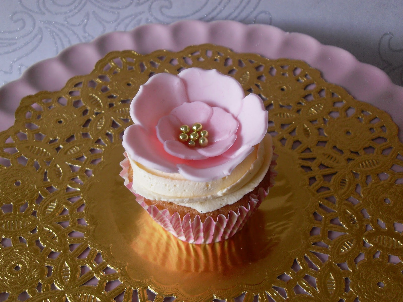 Pink And Gold Flower Cupcakes