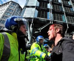 Cameron antecipa como a direita vai resolver a crise : 'É uma questão de polícia, estúpido!'