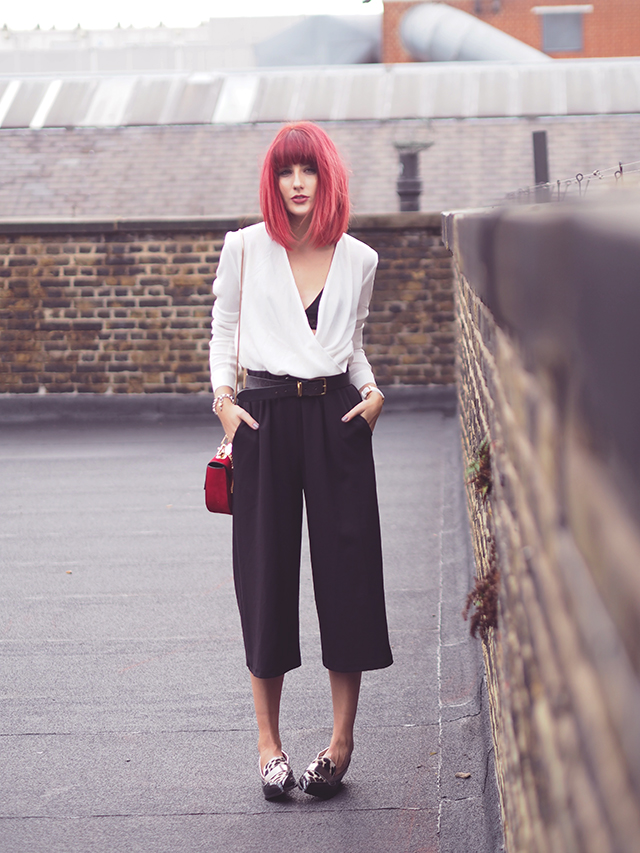 Fashion Blogger Wonderful You wears Urban Outfitters for LFW: Black Culottes and Cream blouse.