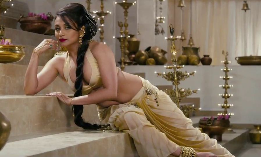 Rani Mukherjee Sexy Look In Aga Bai