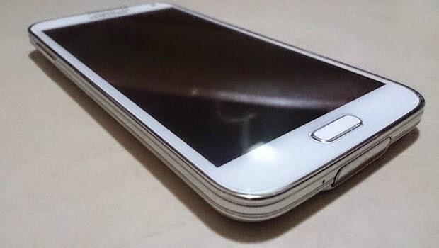 Yeni bir Galaxy S5 ortaya çıktı
