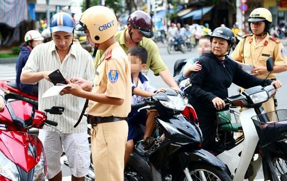 Xuất trình giấy phép lái xe, đăng ký xe photo có được chấp nhận?