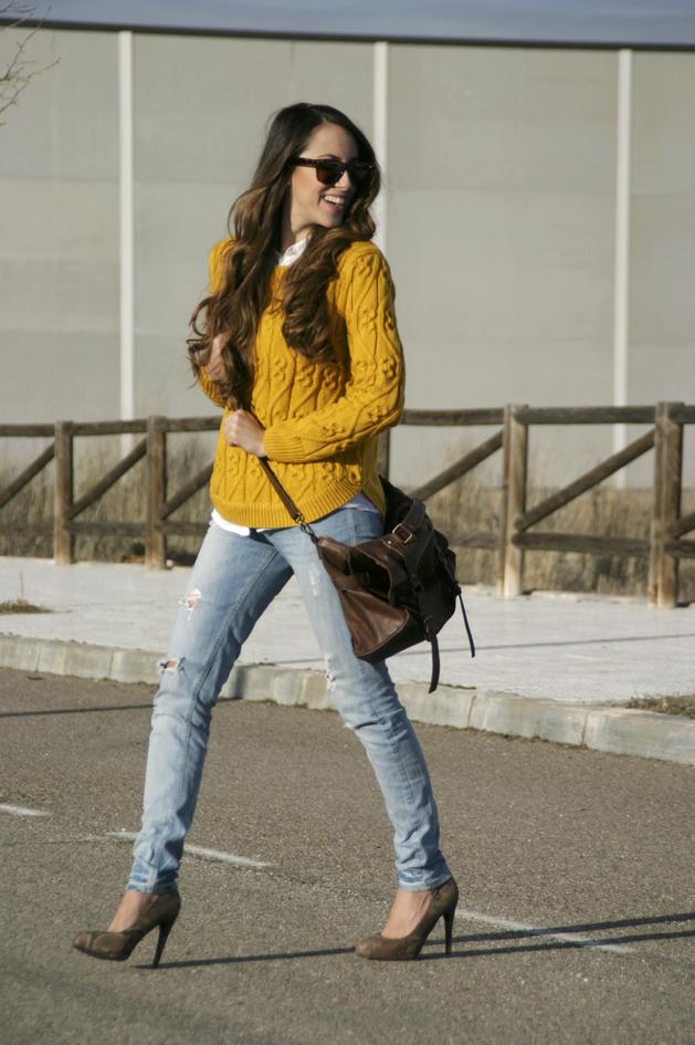 Conjuntos u Outfits con Suéter y Blusa