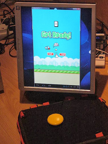 Flappy Birds on Android emulator with accessibility switch and Trabasack.