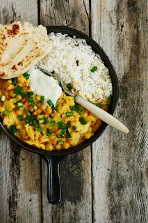 http://www.everydaycooking.pl/2014/06/curry-z-kalafiorem-i-ananasem.html