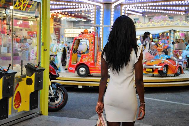 robe blanche moulante pimkie, pochette kiabi, blog mode afro