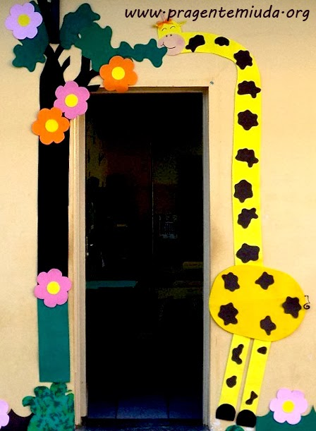 decoracao sala de aula jardim encantado:10 sugestões para decorar a porta da salinha