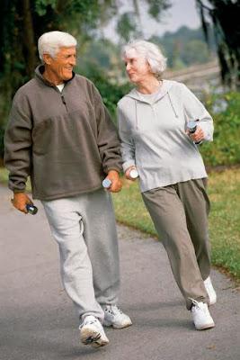การเดินออกกำลังกาย สำหรับผู้สูงอายุ