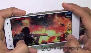 Smartphone dengan RAM 3GB dan processor Quadcore 2.5GHz, Xiaomi Mi 4 sangat cocok untuk Gamie