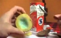 VIDEO: Ξεμείνατε από αναπτήρα; Μία πατάτα θα σας… ανάψει φωτιές!!!! (Τρελό πείραμα)