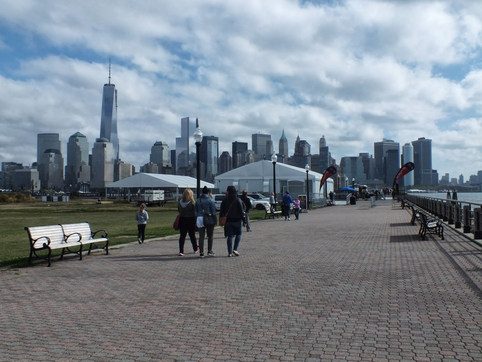 photo: N.Y. city's view from Liberty State park New Jersey .