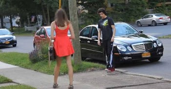 Δείτε την αντίδρασή της όταν κατάλαβε ότι ο τύπος που την φλέρταρε, δεν είχε τη Mercedes