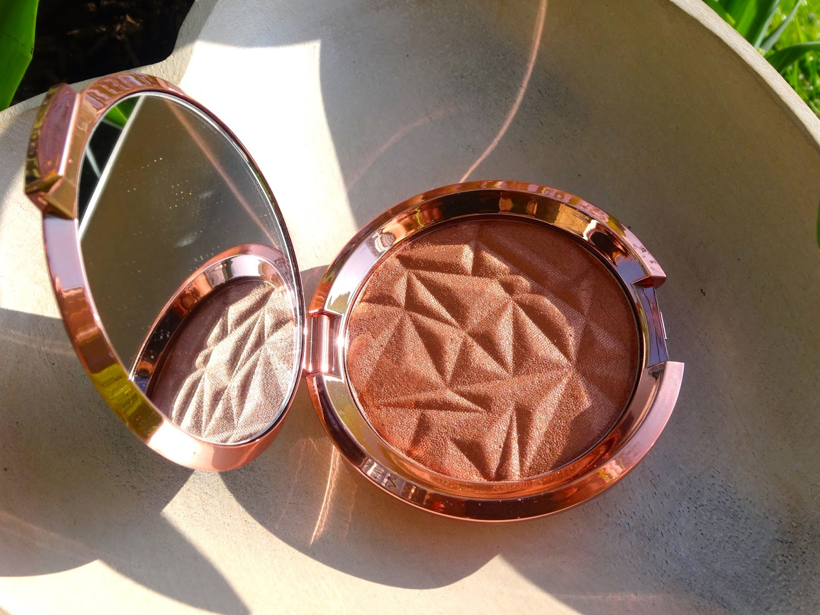 Becca Cosmetics : Limited Edition Shimmering Skin Perfector Pressed Blushed Copper