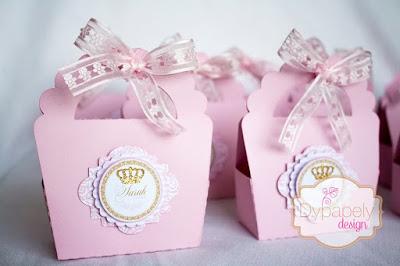festa de princesa, personalizados de princesa, caixinha personalizada, caixinha de vestido, toppers de princesa, toppers de coroa, caixinha de coroa, caixinha de bolsinha, caixinha coração de princesa, cone de princesa, caixinha laço de princesa