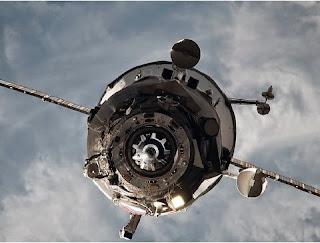 Ainda não se sabe onde cairão os restos da Progress M-27M, mas autoridades avisam que não há maiores riscos, já que os fragmentos serão desintegrados nas camadas da atmosfera terrestre.