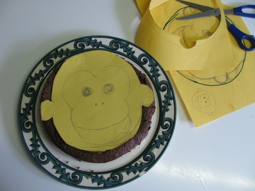 Green Gourmet Giraffe Monkey birthday cake
