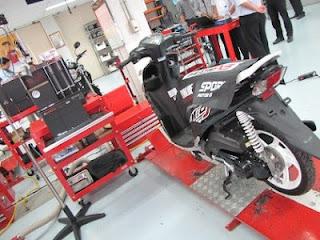 Merawat+Motor+Injeksi Cara Merawat Sepeda Motor Injeksi