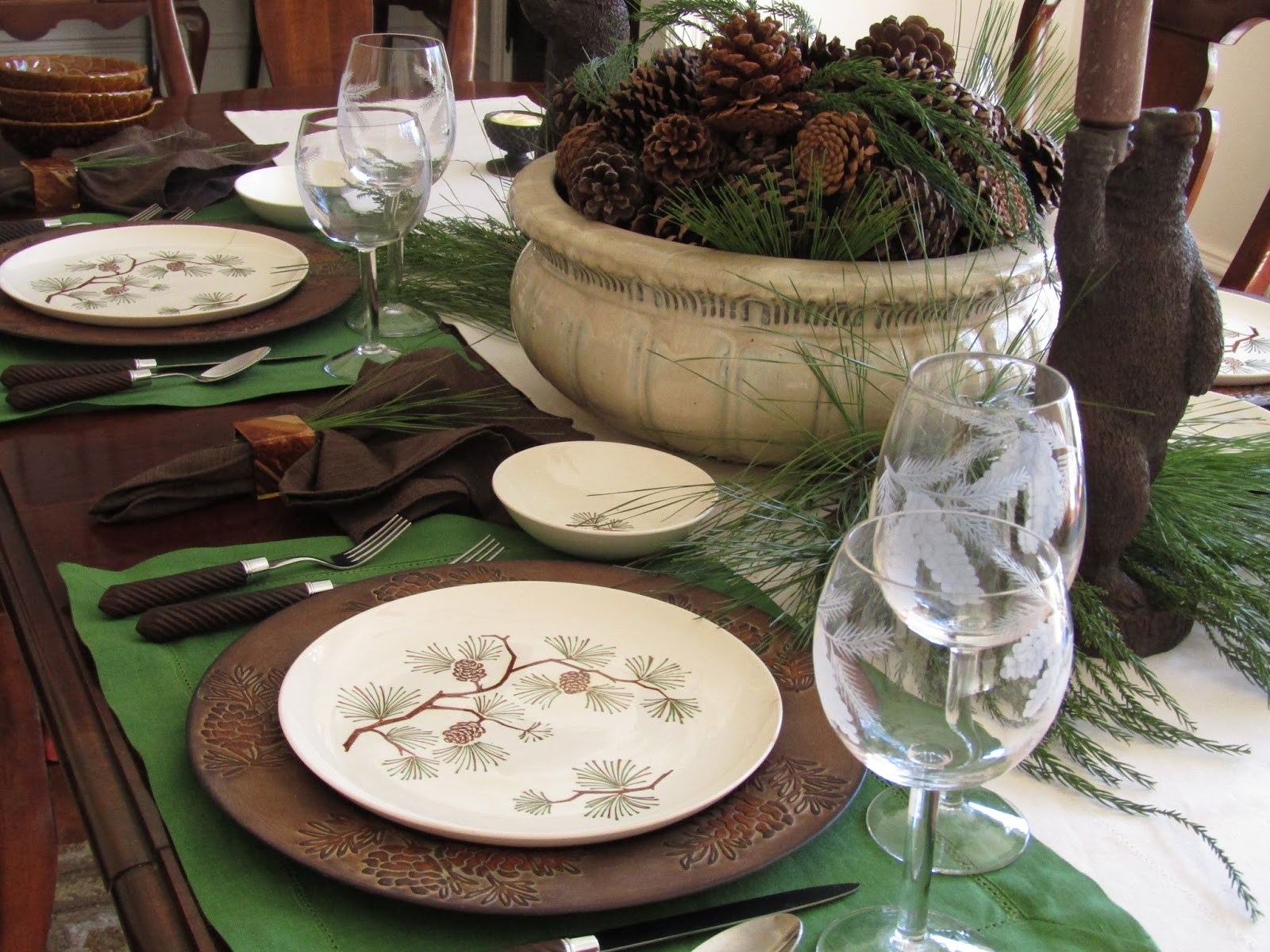 Retro Pine Cone Dishes & A Toile Tale: Retro Pine Cone Dishes