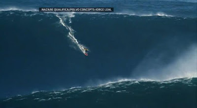 Surfer Garrett McNamara rides world's biggest wave in Nazare Canyon, Portugal - Travel Europe Guide (picture 3)