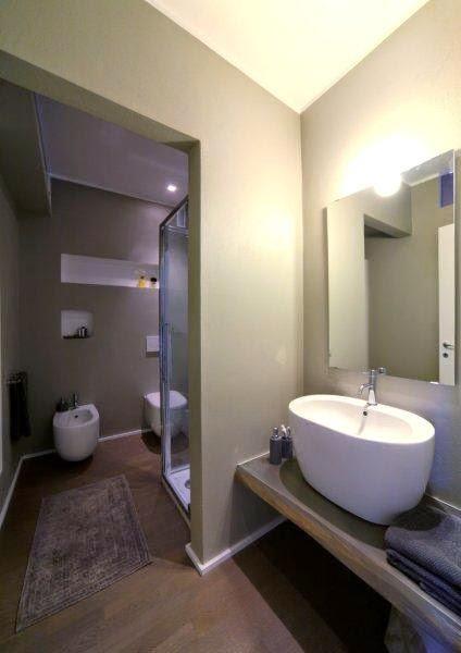 Interior relooking 30 mq di comfort come ristrutturare un monolocale - Nicchie in bagno ...
